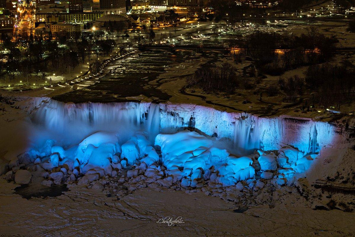 Pelangi Air Terjun Niagara