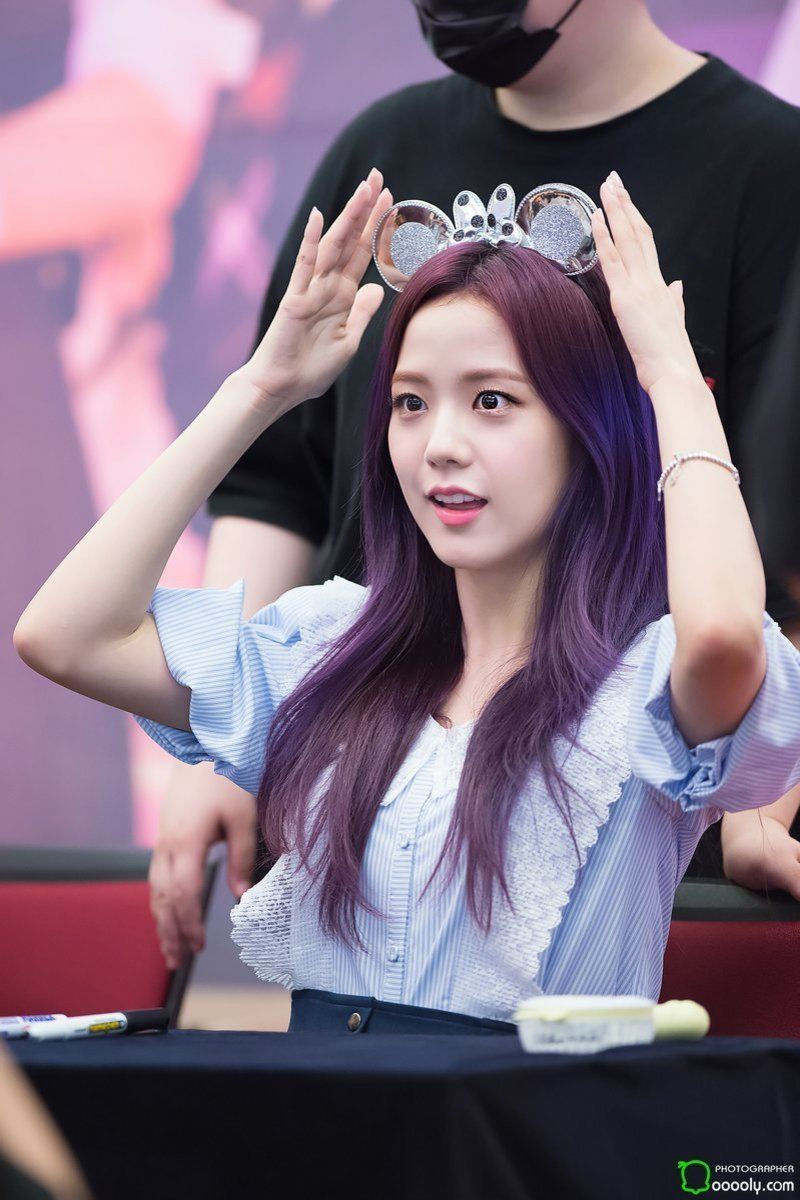 7 Foto Jisoo Blackpink Cantik Dengan Warna Style Rambut Barunya