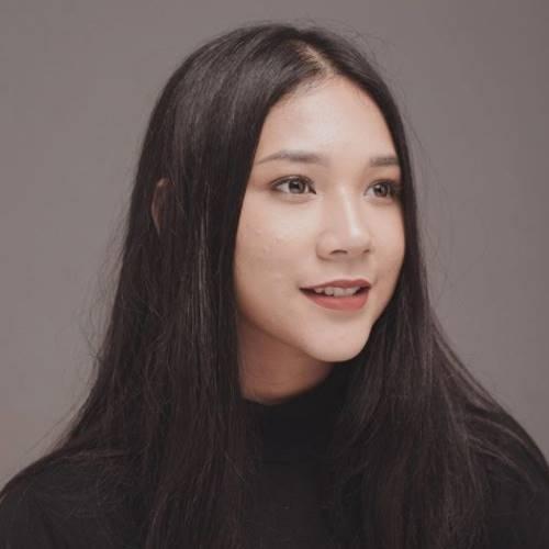 Agnes Naomi