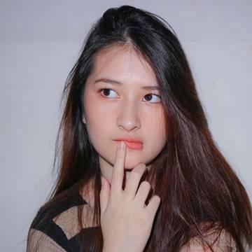 Lindsy Tambayong