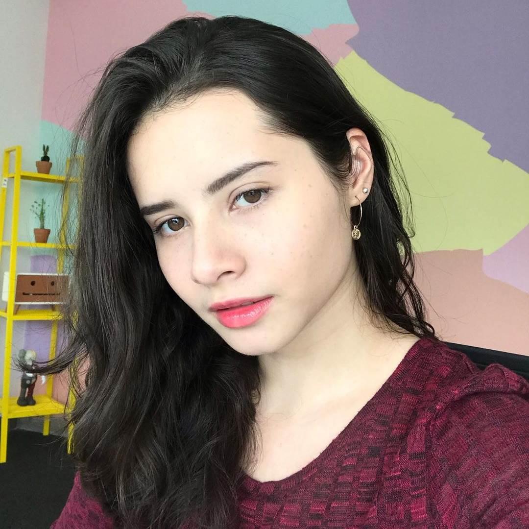 10 Foto Dan Biodata Jovita Karen Aktris Cantik Blasteran
